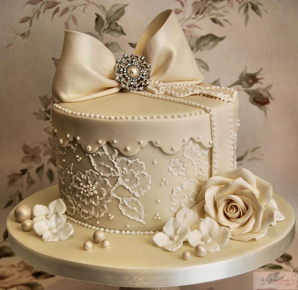 Helen s Cakes and More Wedding Cakes